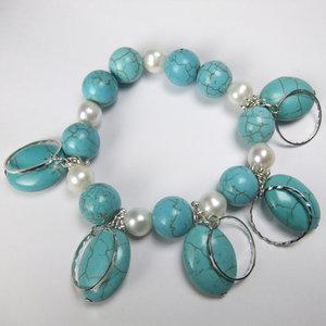 Turquoise/Turkoois met parels armband